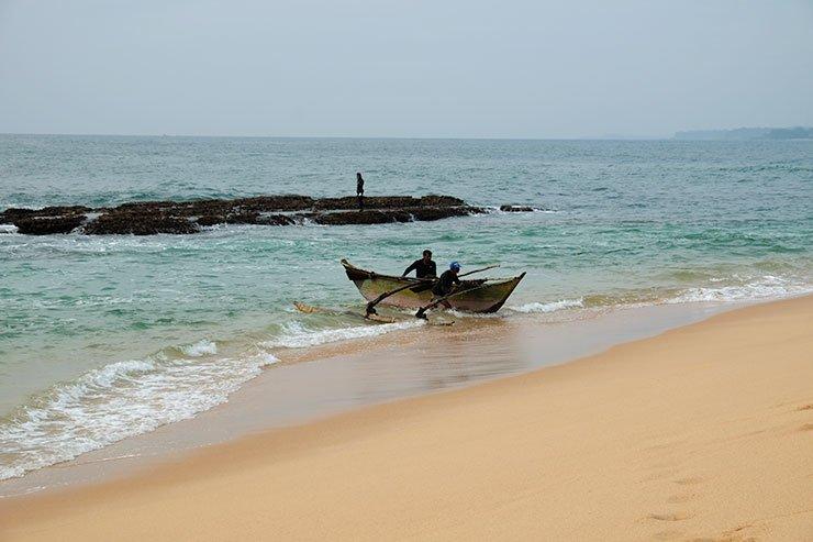 Fishermen-Rekawa-Sri-Lanka