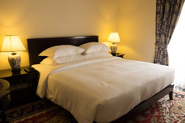 Galle-Face-Hotel-bedroom-Colombo