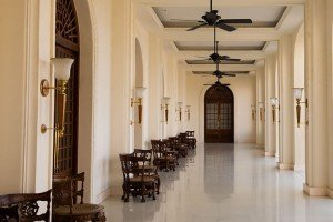 Galle-Face-Hotel-entrance