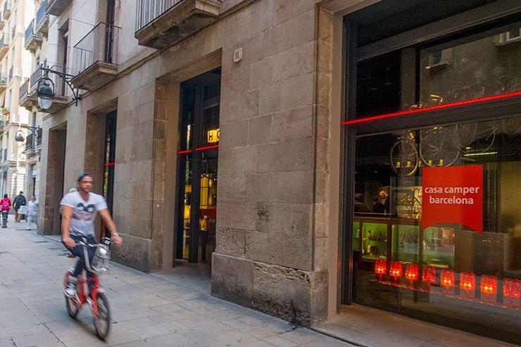 Barcelona-Hotel-CasaCamper
