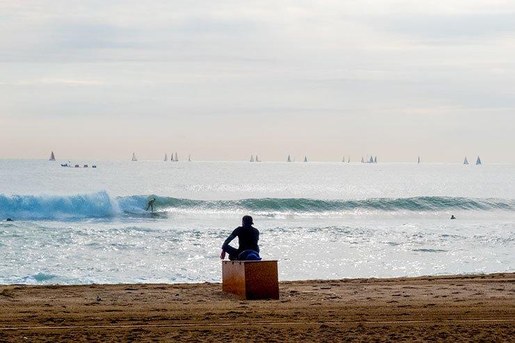 Barcelona-surfers