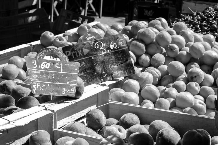 Apricots & cherries, market, Uzes, Gard, France