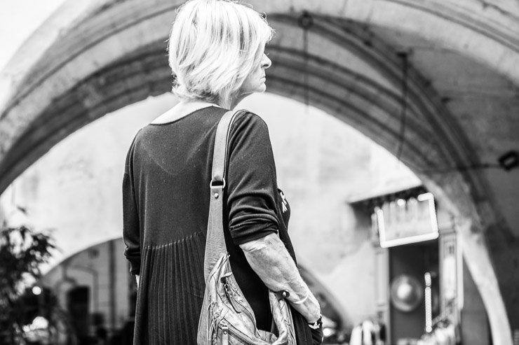 Arches, woman, Uzes, Gard, France