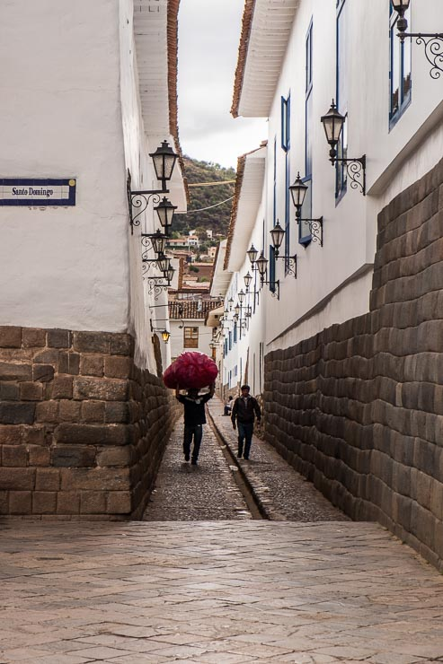 narrow-street_cuzco