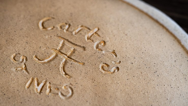Bottom of ceramic plate saying Carter's and St Ives