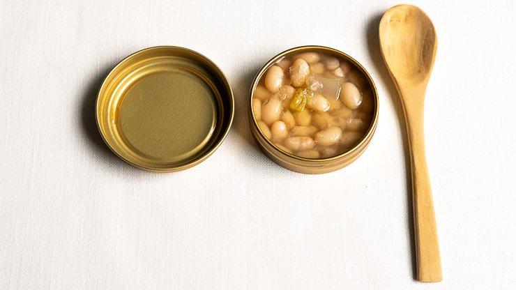 Tin of the Garrotxa caviar, white beans from Santa Pau, Les Cols, Catalonia