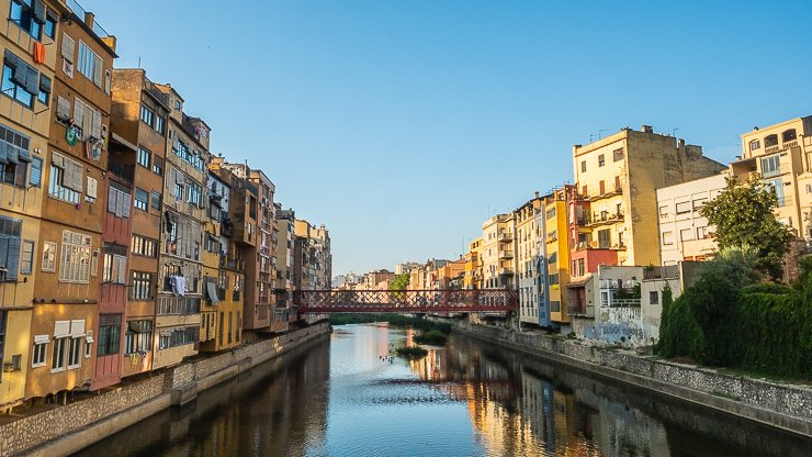 Onyer River, Girona, with view of the Eiffel Bridge