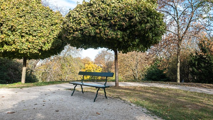Empty bench, Park Buttes-Chaumont, Paris