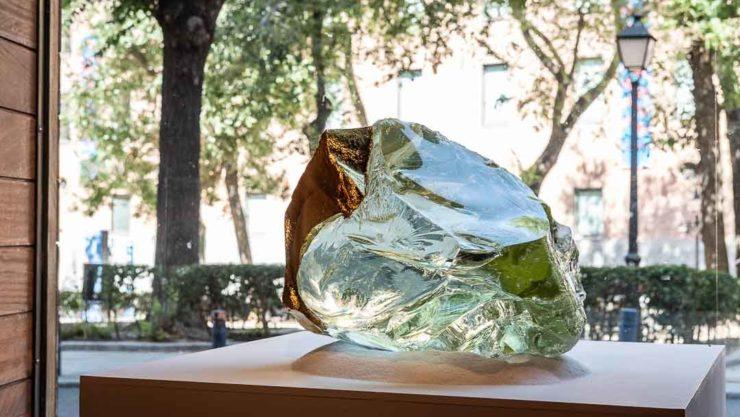 Crystal in gallery window, Madrid